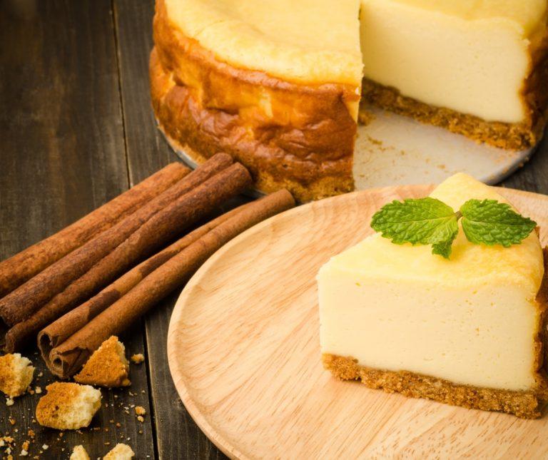 Ελληνικό τσιζκέικ µε φρέσκια µυζήθρα και µέλι