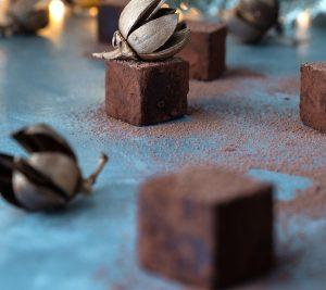 βελούδινες τρούφες σοκολάτας συνταγη αργυρω