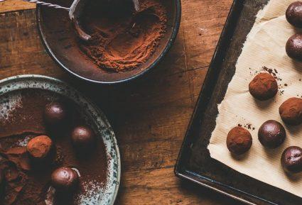 Βελούδινες τρούφες σοκολάτας-featured_image
