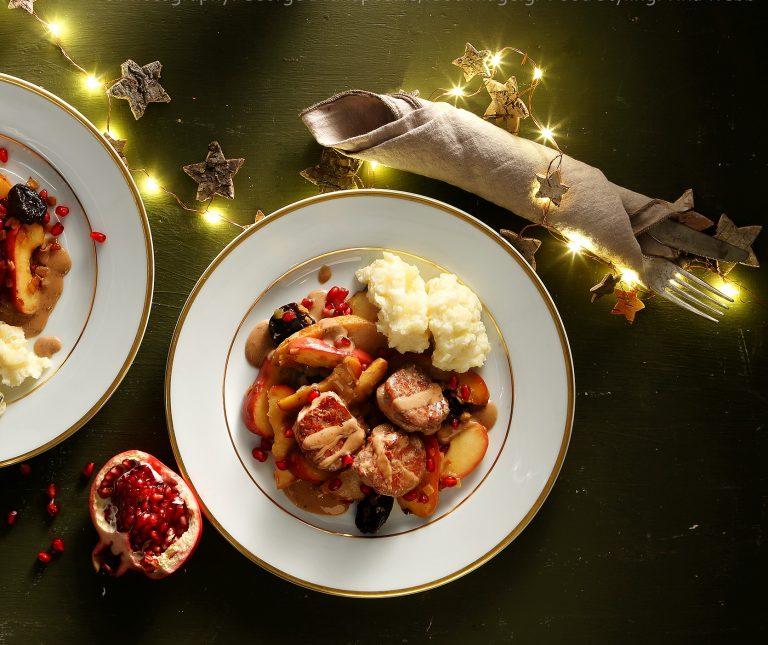 Ψαρονέφρι με κρεμώδη σάλτσα κρασιού, χειμωνιάτικα φρούτα και πουρέ