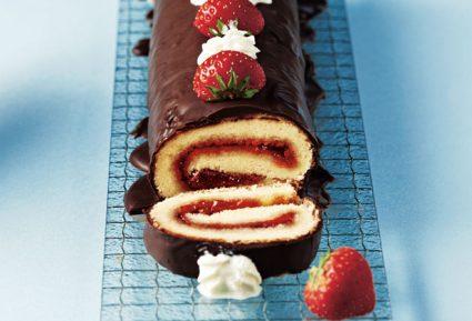 Αφράτος κορμός με φράουλα και σοκολάτα-featured_image