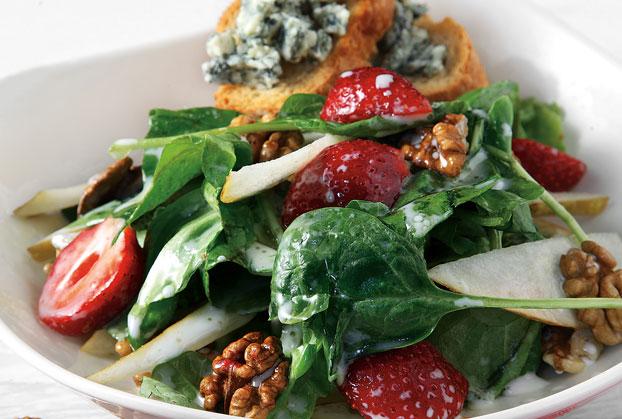 Πράσινη σαλάτα µε αχλάδι και ροκφόρ