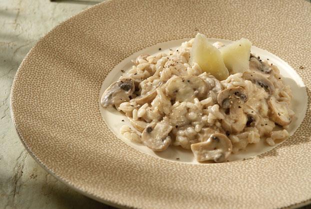 Κλασικό ριζότο µε μανιτάρια και φρέσκο τυρί κρέμα
