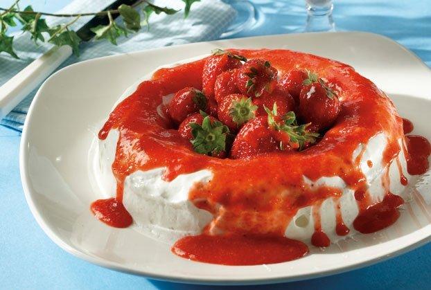 Ζελέ γιαούρτι µε φράουλες και βότκα-featured_image