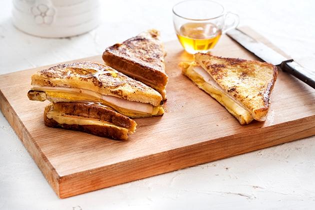 Αυγοφέτες αλμυρές με ζαμπόν και τυρί