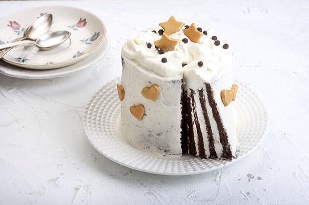 υγιεινή τούρτα χωρίς γλουτένη και χωρίς ζάχαρη