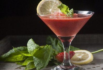 Fragolini (Εύκολο κοκτέιλ βότκα – φράουλα)-featured_image