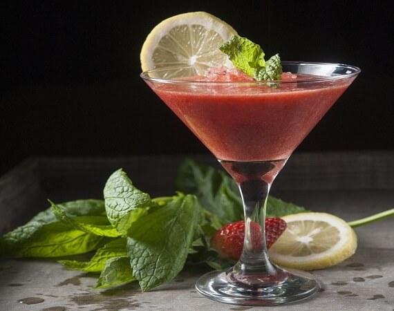 Fragolini (Εύκολο κοκτέιλ βότκα – φράουλα)