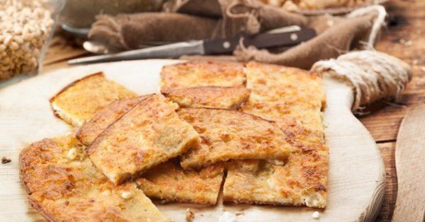 εύκολη ηπειρωτικη ζυμαρόπιτα με τυρί κορκοτο ηπειρου γρήγορη παραδοσιακή πιτα με γαλα αυγα και φετα νοστιμη και τραγανη