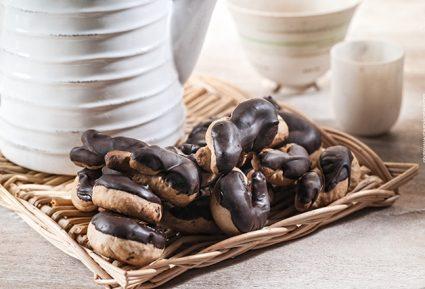 Κουλουράκια κανέλας με επικάλυψη σοκολάτας-featured_image