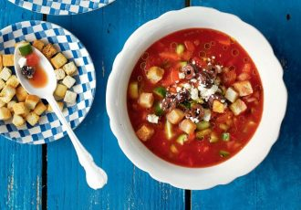 ντοματόσουπα κρύα σούπα ντομάτας καλοκαιρινη συνταγη