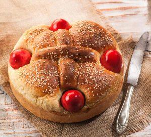 λαμπρόψωμο λαμπροκουλουρα πασχαλινο ψωμι συνταγη αργυρω