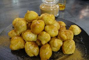 λουκουμάδες με μέλι ζύμη συνταγή αργυρω