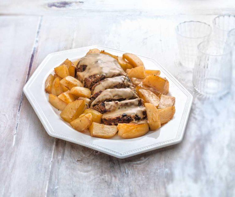 Ρολό κιμά με πλούσια σάλτσα (Αμερικάνικο Meatloaf)
