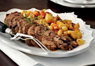 μοσχάρι στο φούρνο με λαχανικά και πατάτες