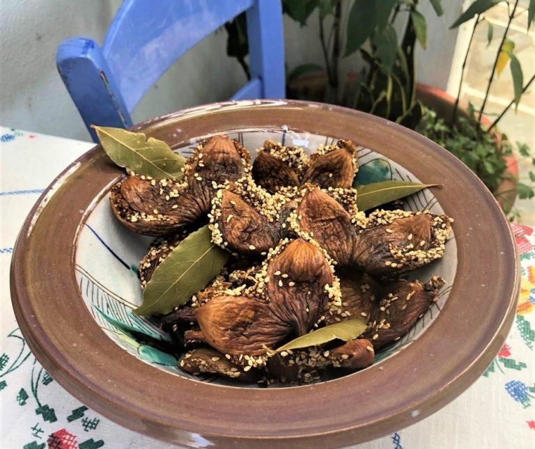 Παστελαριές (Σύκα σαμωτά Πάρου)