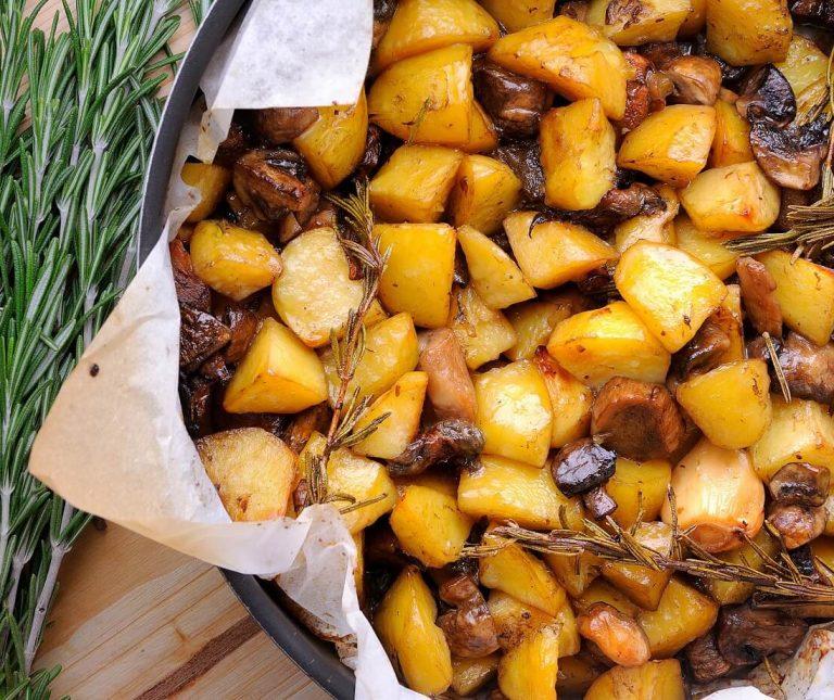 Πατάτες με μανιτάρια στο φούρνο της Αργυρώς
