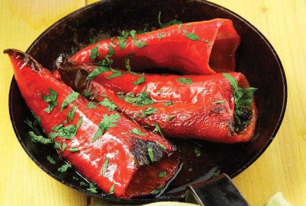 Πιπεριές Φλωρίνης με αντζούγιες