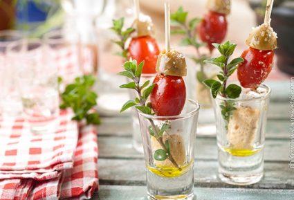 Ποτηράκια ελαιόλαδου με φέτα ντομάτα και ελιά-featured_image