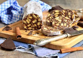 ευκολο γλυκό σαλάμι σοκολάτας με μπισκότα ψυγειου συνταγη