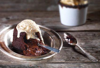 Σουφλέ υγρής σοκολάτας με μπισκότα-featured_image