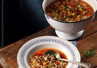 αυθεντικη σούπα μινεστρόνε λαχανικων με κριθαρακι λαχανικα συνταγη αργυρω