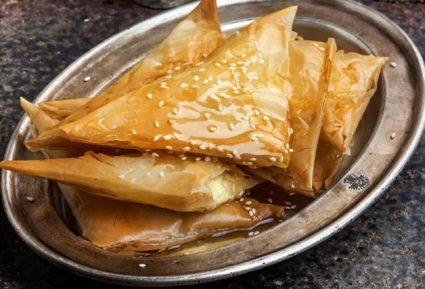 Τριγωνάρια με φέτα και ξινομυζήθρα(Γκιουζλεμέδες Μυτιλήνης)-featured_image