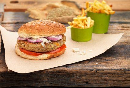 Μπέργκερ με μπιφτέκι λαχανικών της Αργυρώς-featured_image