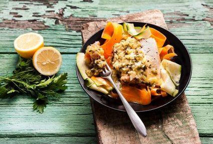 Σολομός σοτέ με ταλιατέλες λαχανικών-featured_image
