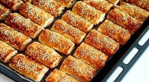 χωριάτικη τυρόπιτα με σπιτικό φύλλο με μαγιά σπιτική πιτα με τυρι συνταγη