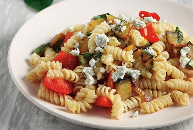 Βίδες σαλάτα µε ψητά λαχανικά