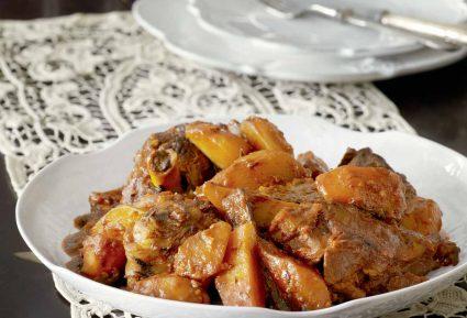 Αρνάκι κοκκινιστό με πατάτες στο φούρνο-featured_image