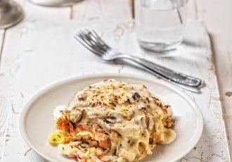 σολωμος με ζυμαρικα στο φουρνο λαζάνια με σολωμό μακαρονια μανιτάρια αλα κρεμ