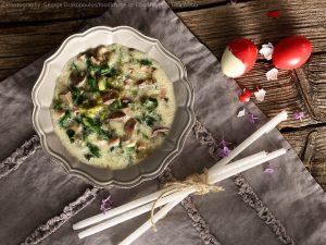 παραδοσιακή μαγειρίτσα με μαρούλι συκωτάκια και ρύζι κλασικη συνταγη