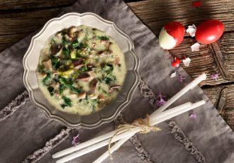 συνταγη μαγειρίτσα με μαρούλι φρικασέ, συκωτάκια και ρύζι κλασικη