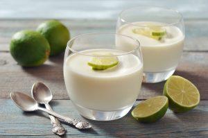 ευκολη πανακότα συνταγη χωρίς ζελατίνη ατομική γλυκο σε ποτηρι με 3 υλικα