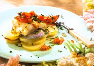 συνταγες ροφός στο φούρνο με πατάτες αργυρω