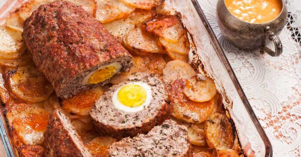 ρολό κιμά με αυγά