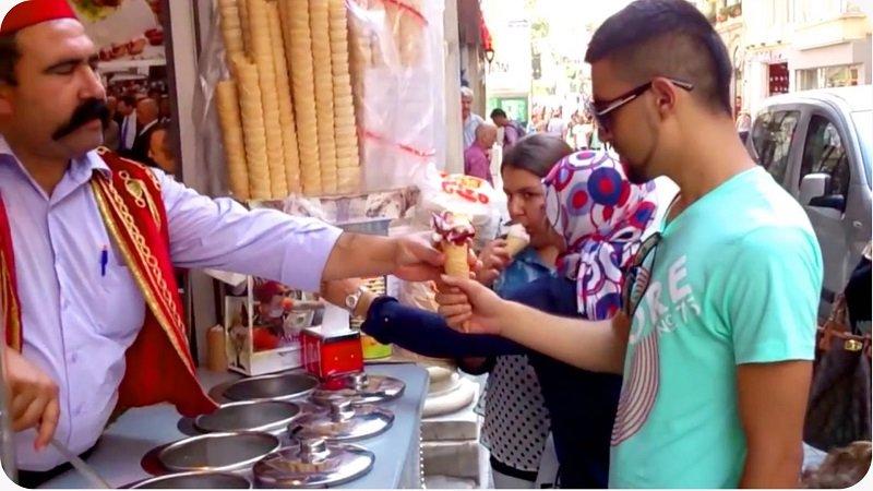 Κοίτα τι θα ζήσεις, αν θέλεις να φας παγωτό στην Κωνσταντινούπολη-featured_image