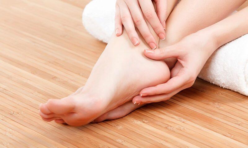 Καταπληκτική πούδρα για τα πόδια σας από φασκόμηλο και φραγκοστάφυλο-featured_image