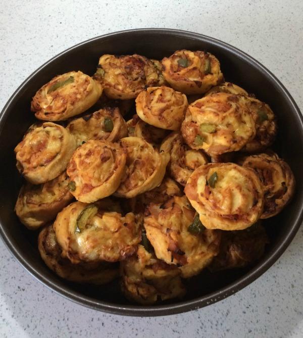 Ρολάκια πίτσας, της Αντωνίας Κανάκη