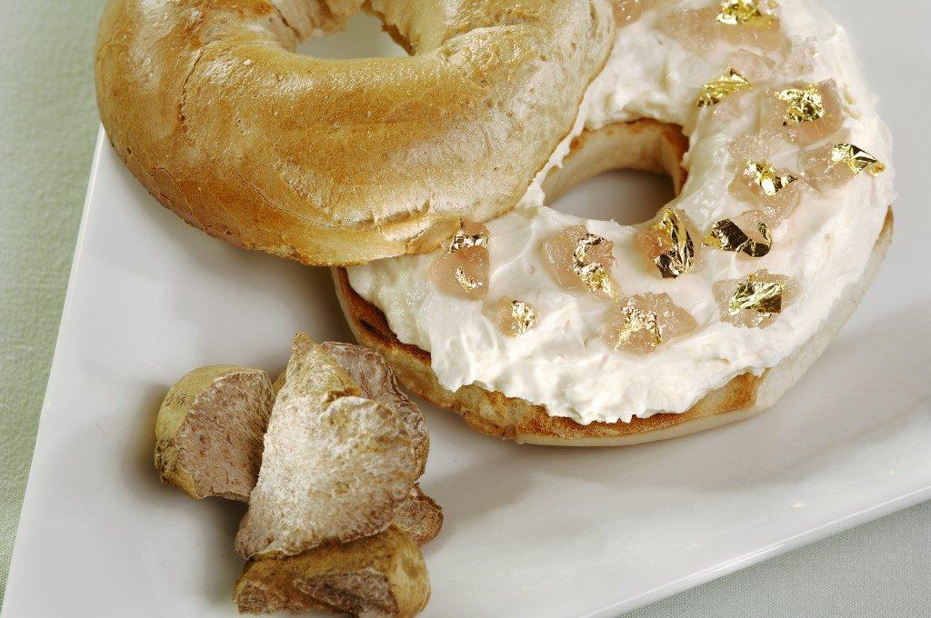 gold-bagel