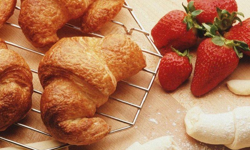Ήξερες ότι το αγαπημένο κρουασάν δεν είναι τόσο γαλλικό όσο ακούγεται;-featured_image