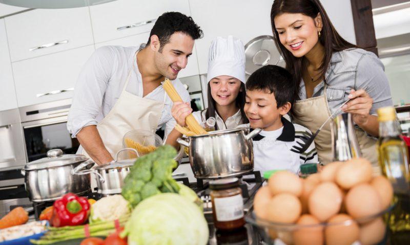 Μπες στην κουζίνα και κάνε τον Σεπτέμβριο πεντανόστιμο! Διάλεξα για εσάς 10 εύκολες, γρήγορες και οικονομικές συνταγές μου-featured_image