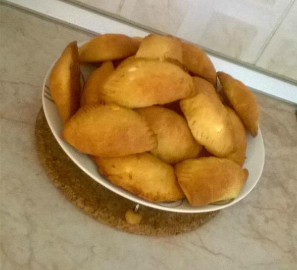 Τυροπιτάκια με ζύμη γιαουρτιού, της Αλέκας Τρυφωνοπούλου
