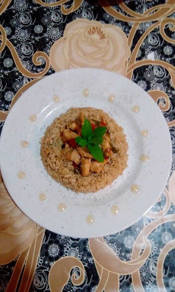 Κοτόπουλο με ρύζι, της Φωτεινής Γκιλή