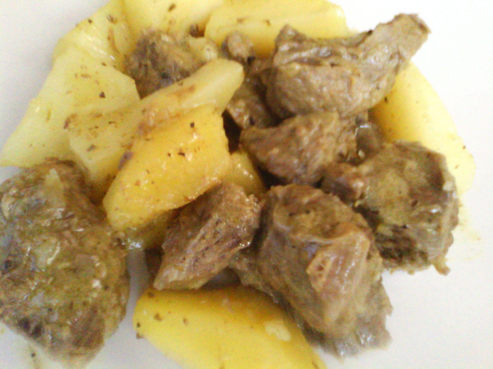 Χοιρινό λεμονάτο με πατάτες, του Γιάννη Τσινάβου
