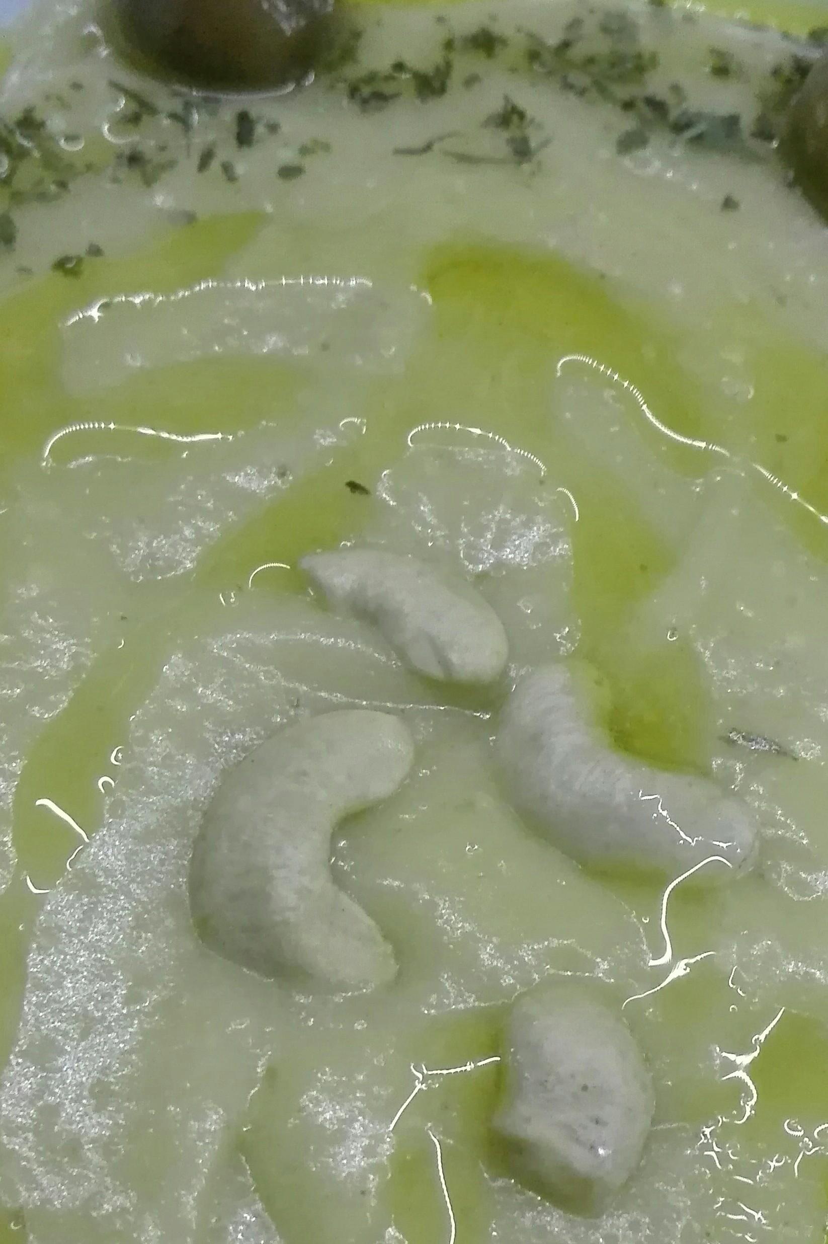 Σκορδαλιά με κάσιους, της Τζίνας Καραθανάση