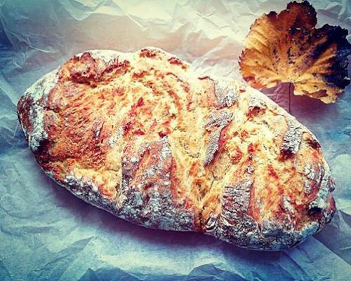 Το εύκολο ψωμί χωρίς ζύμωμα, της Ελπίδας Χαραλαμπίδου