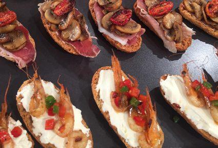Μπρουσκέτες με τυρί και γαρίδες-featured_image